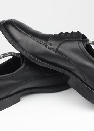 Брендовые кожаные туфли с дышащей подошвой