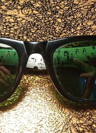 Солнцезащитные очки ray ban rare prints wayfarer