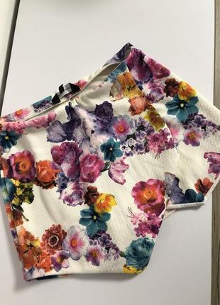 Яркие стильные в цветочный принт шорты юбка нарядные модные короткие высокая талия