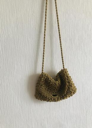 Вязаная золотая сумочка