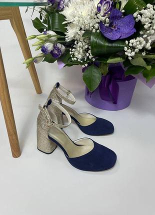 Замшеві туфлі босоніжки на високому каблуку закритий квадратний носик замшевые туфли босоножки