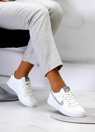 Удобные повседневные белые серые кроссовки с перфорацией на каждый день   к 11118