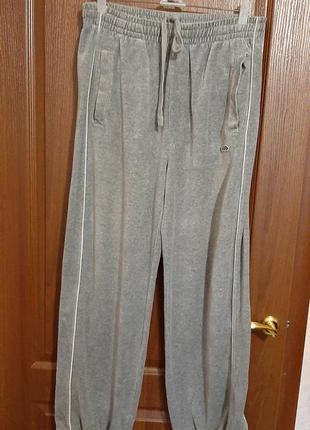 Велюровые домашние штанишки размера 50-52.