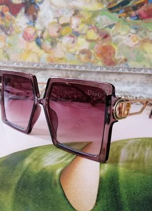 Стильные солнцезащитные женские очки квадраты цвета марсала 2021