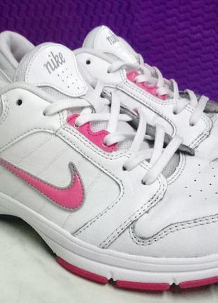 Розовые женские кроссовки 2018 - купить недорого вещи в интернет ... 8b3359f689be9