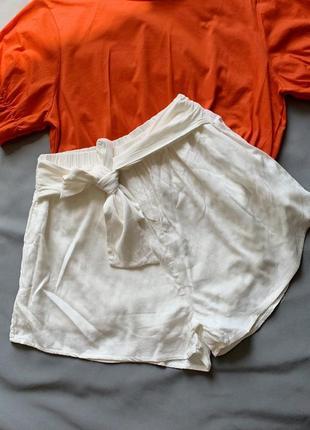 Белые шорты натуральные