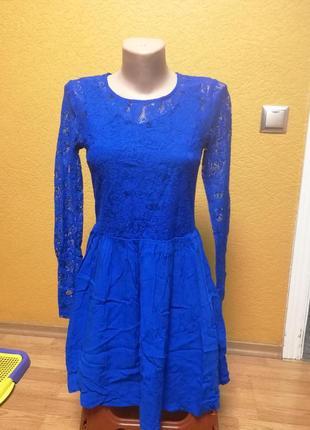 Супер лёгкое платье divided  р 6(165см)