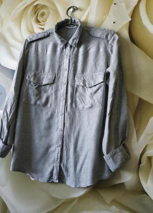 Шикарная рубашка свободного кроя от mango с накладными карманами