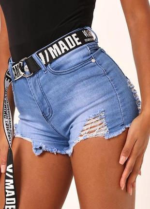 Denim wise. товар привезен из англии. джинсовые шорты с порезами.