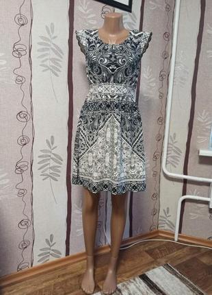Легкое платье dorothy perkins 38 размер
