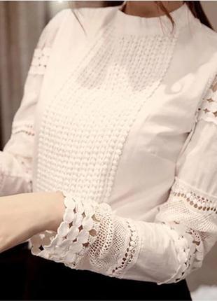 Белая блуза с кружевом2 фото