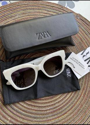 Солнечные очки в оправе из ацетата с перламутровым узором7 фото