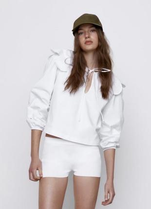 Белая блуза с воротником и рукавами зара zara