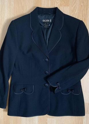 Escada новый чорний пиджак размер указан 40
