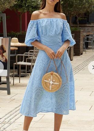 Голубое платье с открытыми плечами прошва размер л