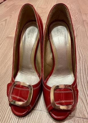 Красные туфли motivi.