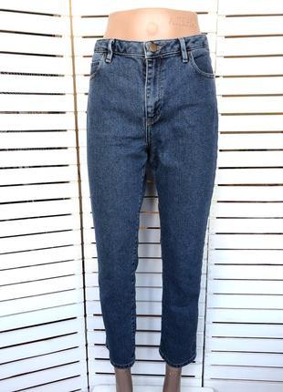 Укороченные синие  мом джинсы eur 40