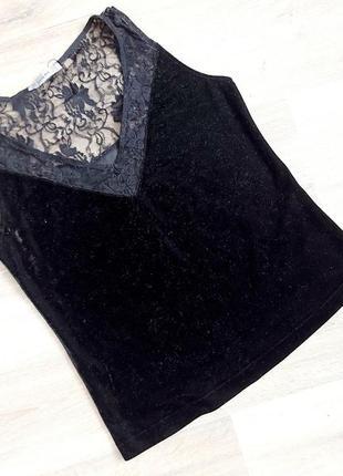 Блуза-футболка з ніжної тканини