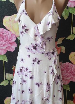 Романтичное, нежное платье на запах, в цветы, с рюшем, вискоза р 40