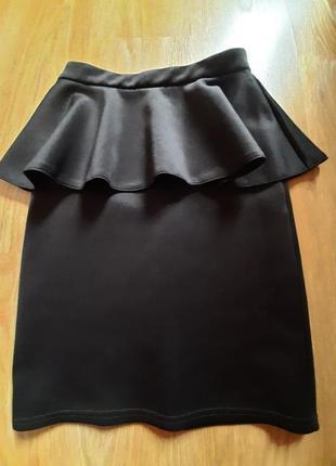 Отличная юбка-карандаш из плотного трикотажа. 42 размер