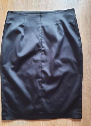 Шикарная атласная юбка с вышивкой 42-44 размера