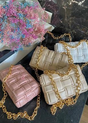 Женская сумка в стиле bottega veneta the chain cassette white