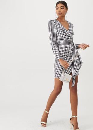 Очень стильное и нежное платье в гусиную лапку