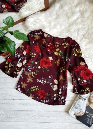 Блуза в цветы с переплетом на груди блузка бордовая amisu кофточка блузка легкая