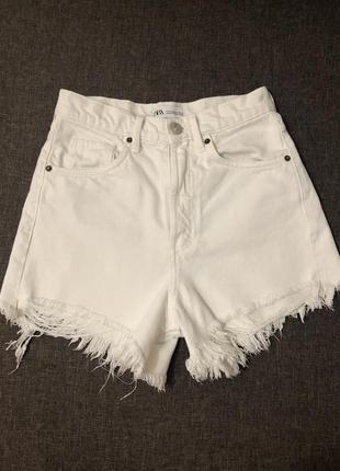 Белые джинсовые шорты zara 34