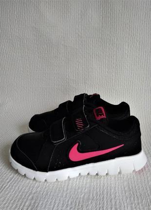 Nike оригинальные кожаные кроссовки 28