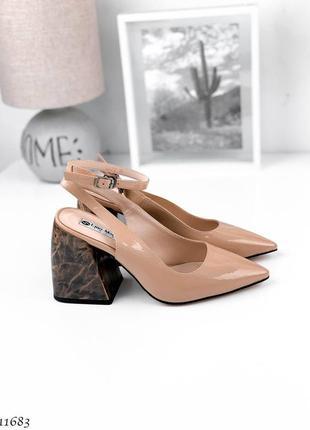 Туфли стильные на каблучке