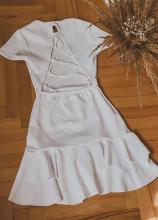 Біле плаття з відкритою спинкою❣️