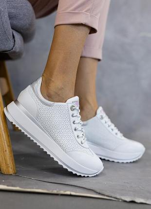 Натуральная кожа! базовые кроссовки белые перфорация