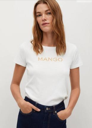 Футболка mango біла з логотипом