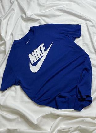 Женская футболка nike