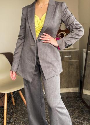 Серый брючный костюм, сірий костюм женский manoukian