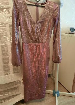 Вечернее платье,  состояние идеальное  , одето один раз, в лс дам фото на себе, выглядит дорого