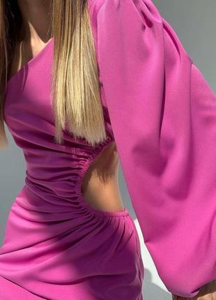 Летнее платье на одно плече с вырезом