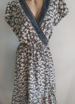 100% натуральный шелк, платье с запахом, цветочный принт.