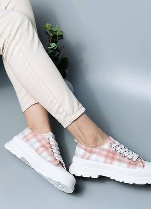 Женские текстильные кроссовки на резиновой подошве