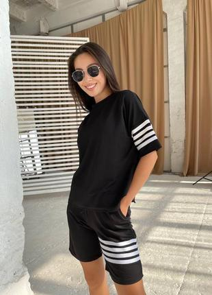 Женский стильный костюм футболка и шорты