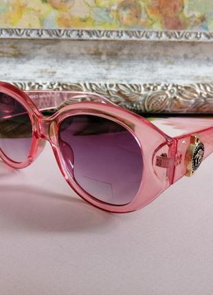 Эксклюзивные розовые брендовые округлые солнцезащитные женские очки в фирменном футляре 2021