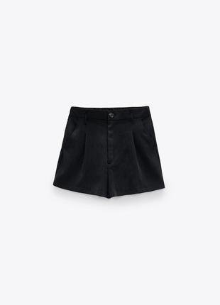 Шорты чёрные на пуговице с защипами и боковыми карманами zara