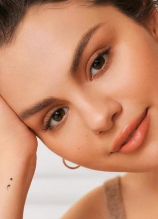 Підсвічуючий праймер для обличчя rare beauty illuminating primer3 фото