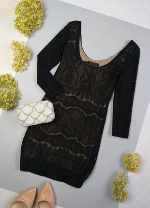 Маленькое черное платье из оригинального кружева