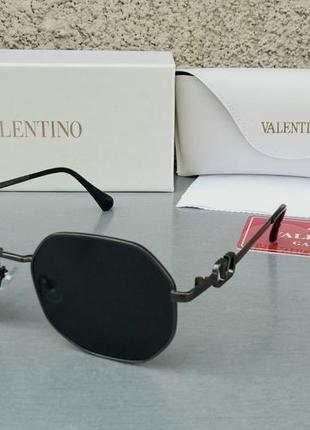 Valentino стильные женские солнцезащитные очки черные в черном металле