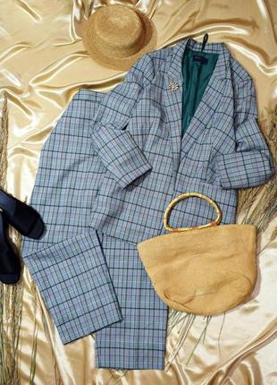 Добротний костюм брюки і піджак