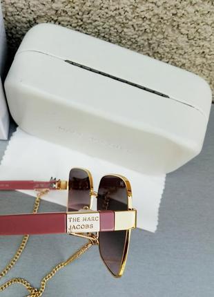 Marc jacobs модные женские солнцезащитные очки коричнево бордовый градиент в золотом металле с цепочкой8 фото