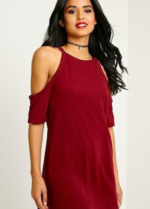 Pretty little thing платье бордо марсала бордовое бургунди с открытыми плечами