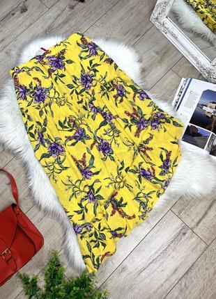 Яркая юбка асимметрия с цветочным принтом1 фото